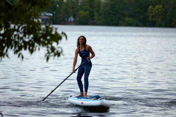 GTS-CRUISER-11.6-Surf-GTS-Surfen-Stand-Up-Paddling-Paddel-Frau-auf-Board